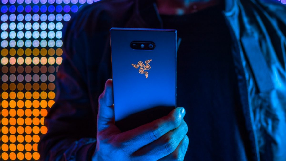 Razer-Phone-2-IRazer-Phone-2-Inhandsnhands