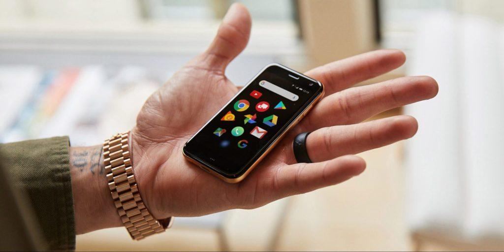 palm-Phone-Hand