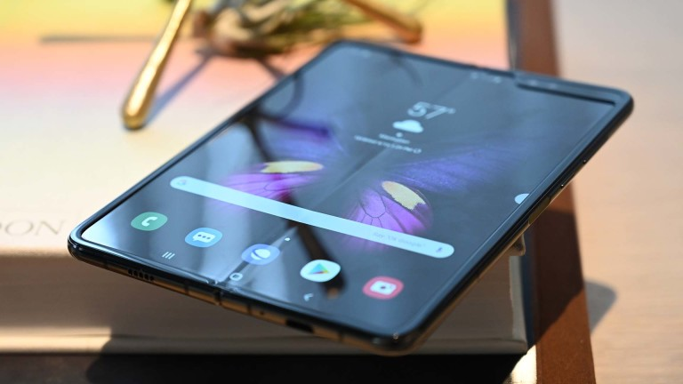 Samsung-Galaxy-fold-phone